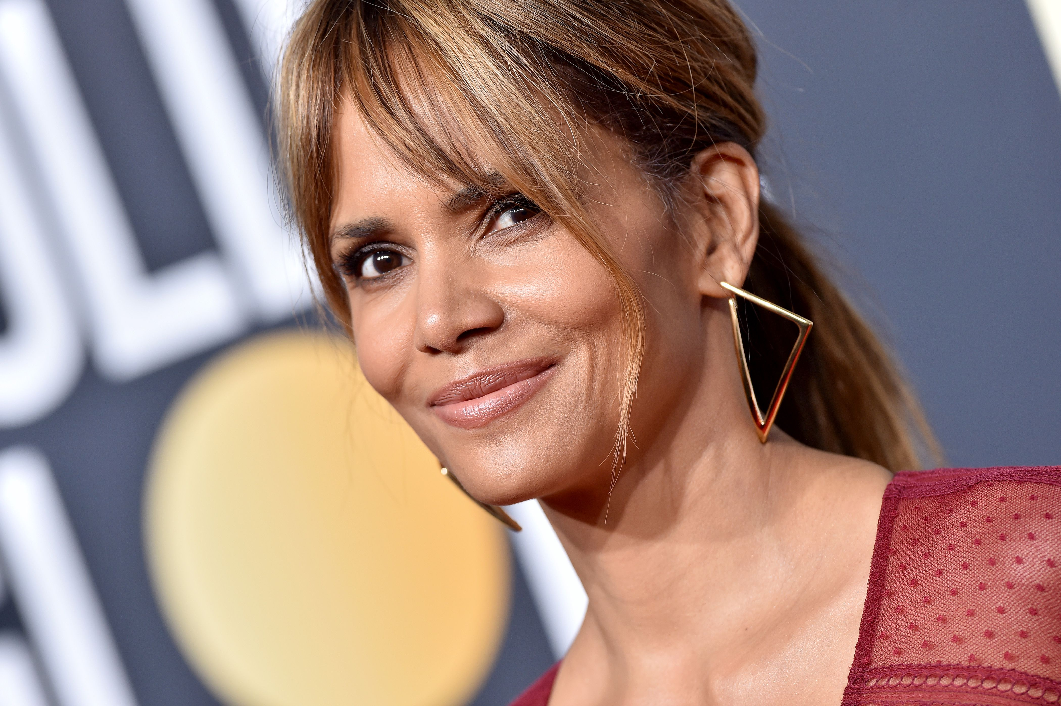 Halle Berry Shares the Face Mask She Uses for a Brighter Complexion - Prevention.com