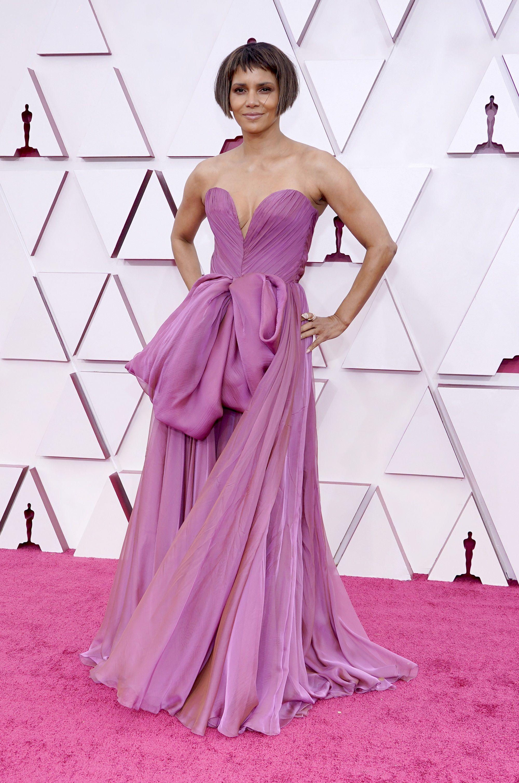 Abiti degli Oscar 2021 Halle Berry