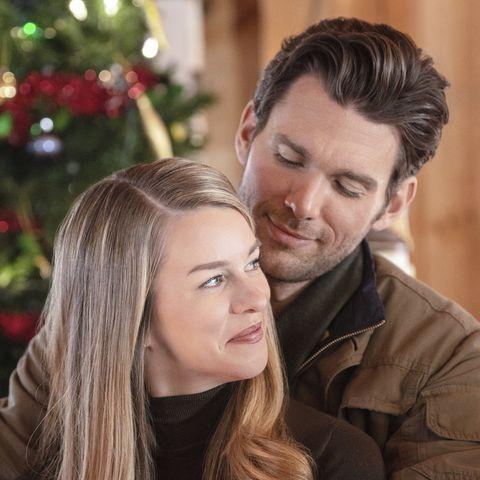 Hallmark Christmas Movies 2019 - Christmas Scavenger Hunt
