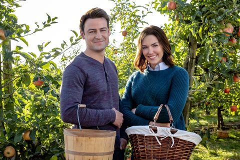 harvest wedding hallmark movie online