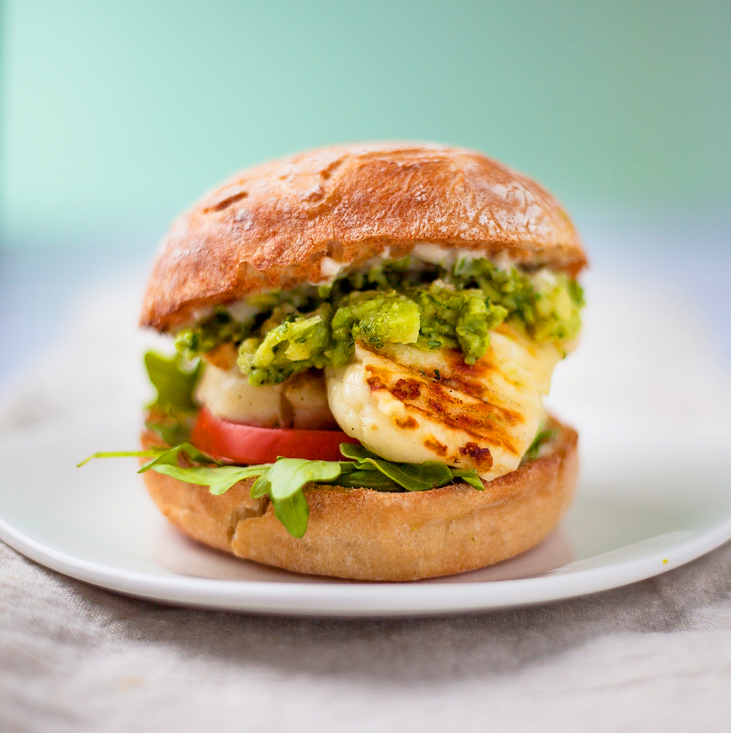 Halloumi, pea and mint guacamole burger