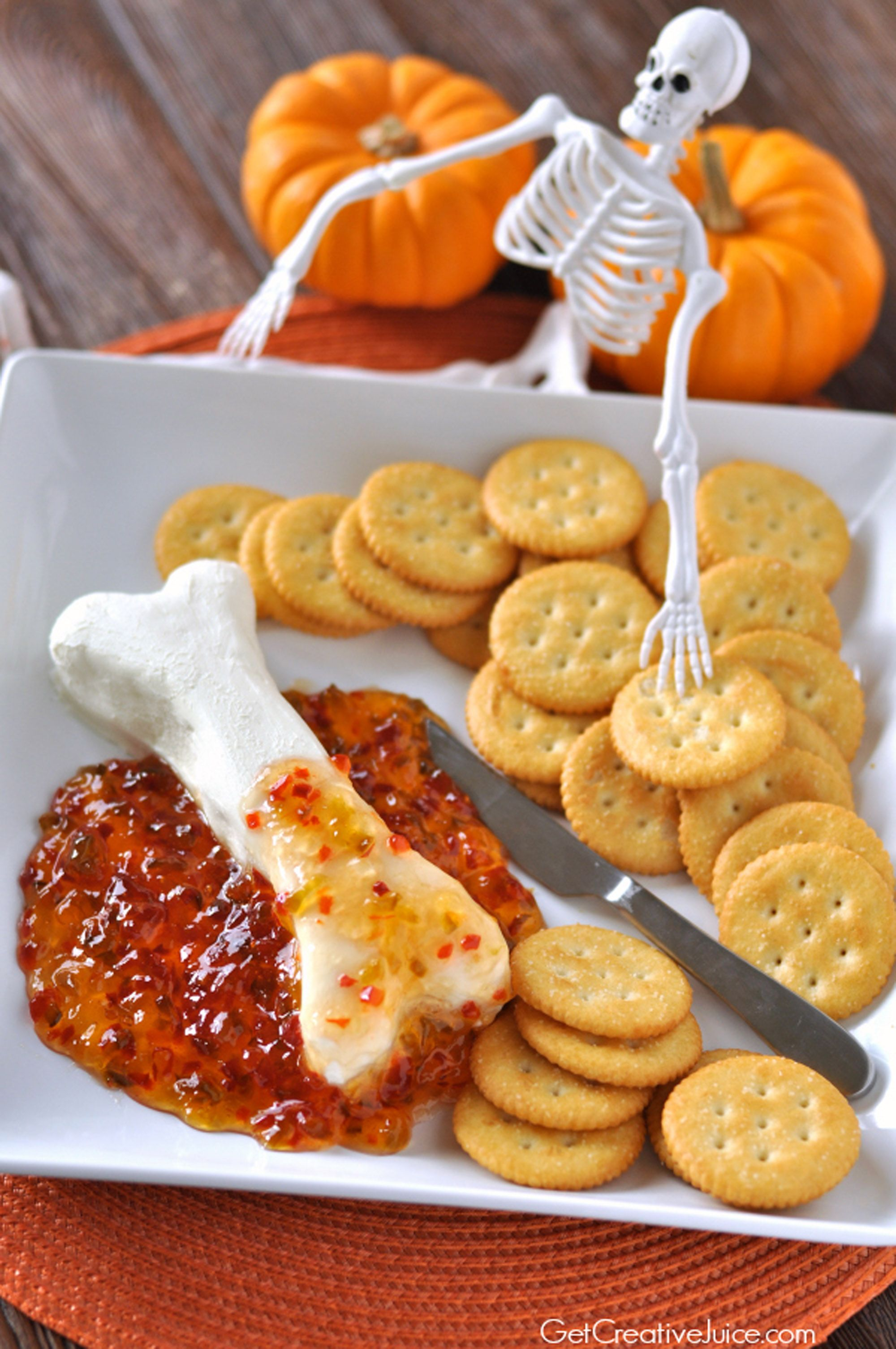 36 easy halloween party appetizers best recipes for halloween hors doeuvres ideas