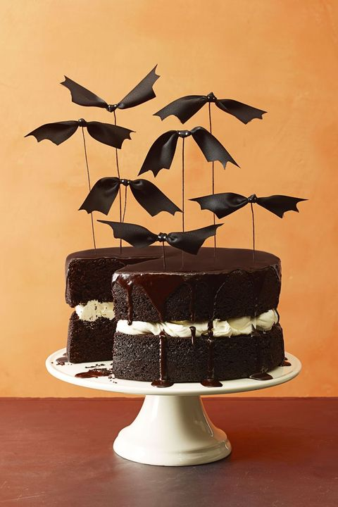 halloween batty birthday cake