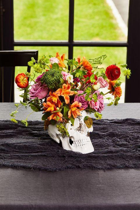 halloween birthday party skull centerpiece
