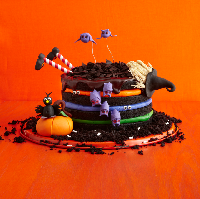 Incredible 42 Easy Halloween Cakes Recipes Ideas For Halloween Cake Funny Birthday Cards Online Fluifree Goldxyz