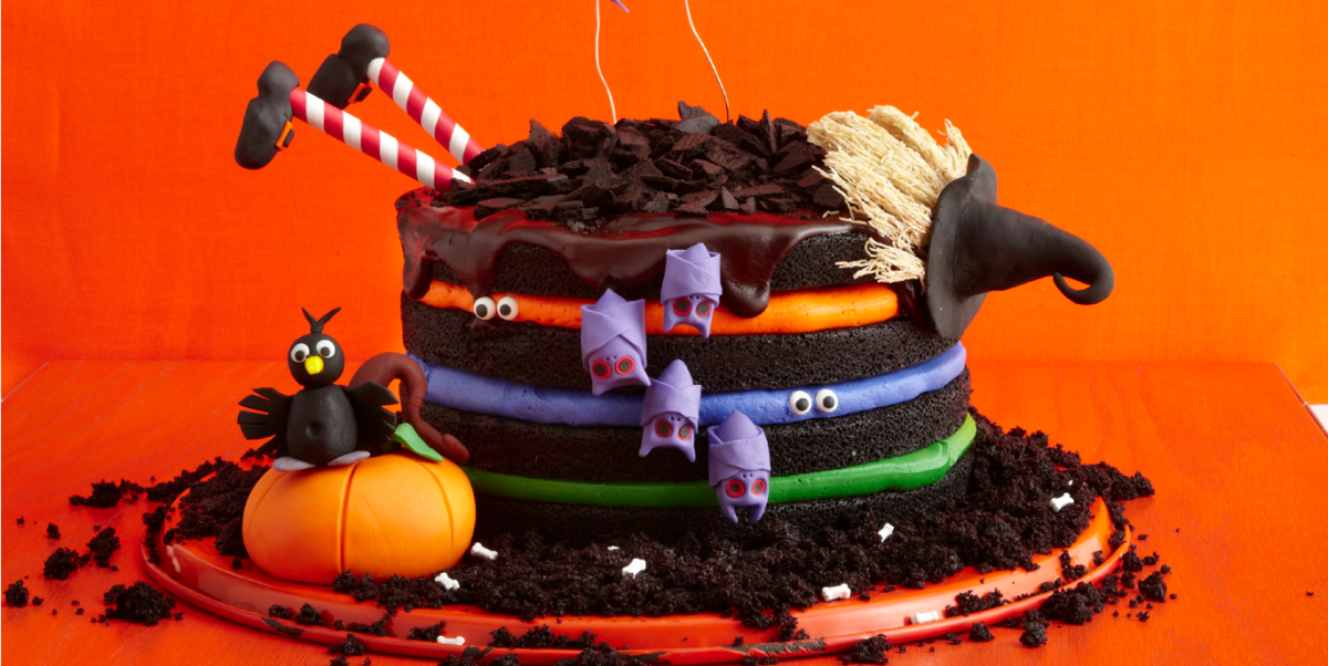 42 Halloween Cakes That Are So Stunning, They Double as Decor