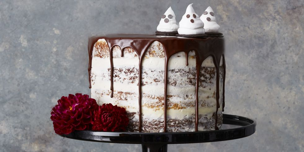 33 Easy and Spooky Halloween Cakes That'll Sweeten Up Your Party