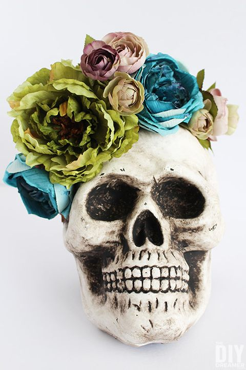 halloween centerpiece skull floral arrangement