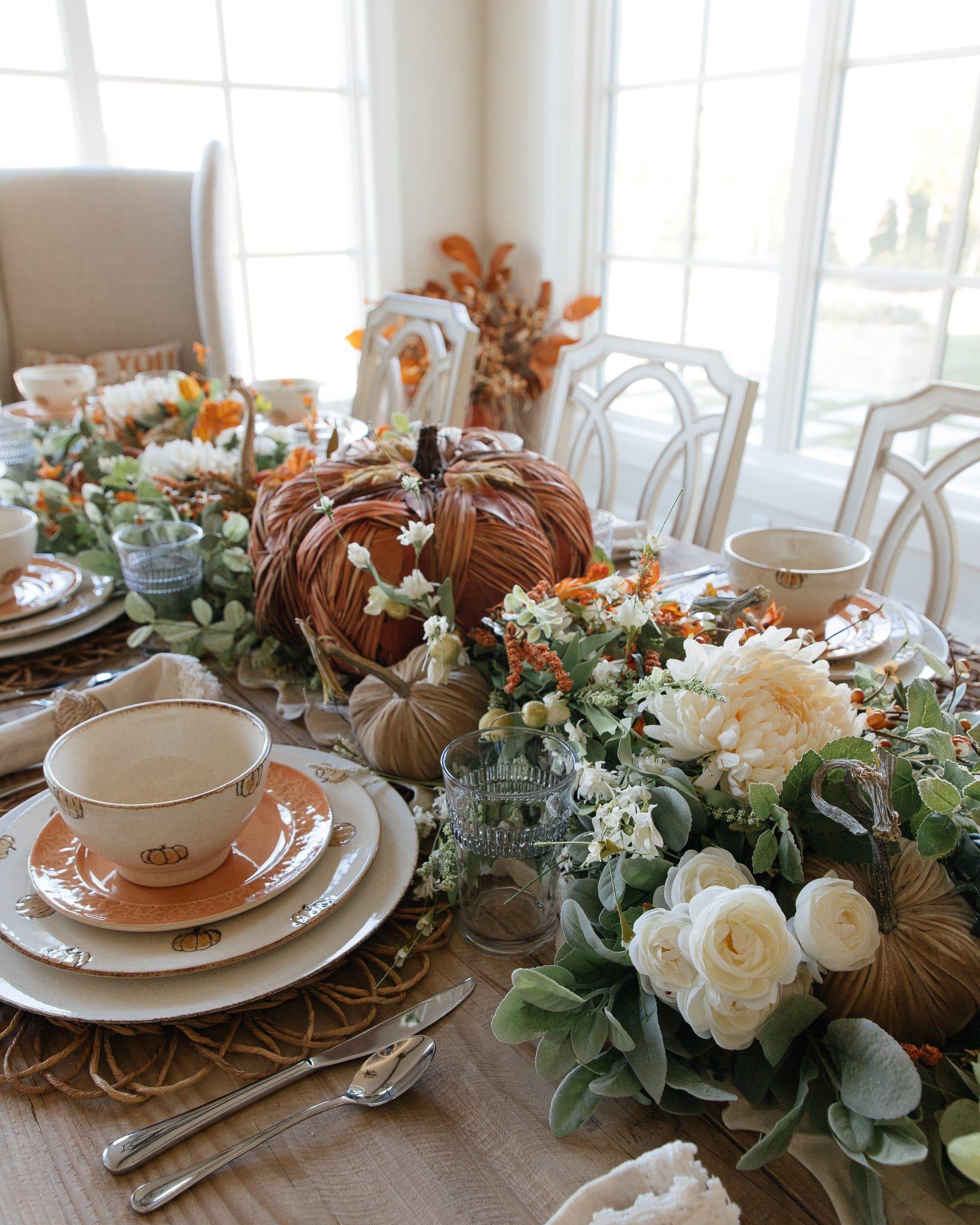 30 Halloween Centerpieces & Table Decorations DIY Ideas