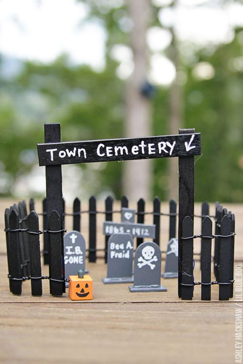 65 Easy Halloween Crafts Best Diy Halloween Craft Projects