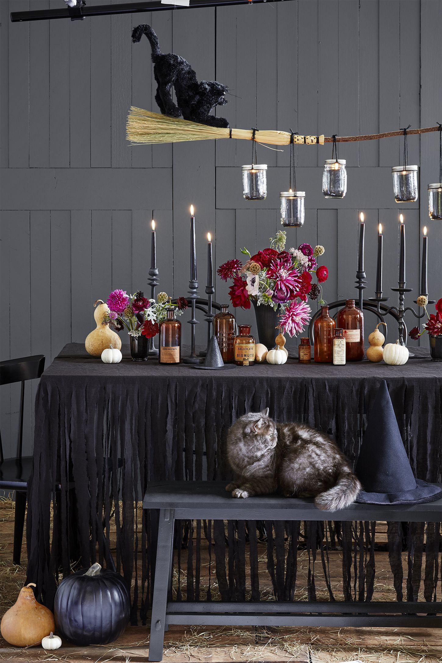 halloween crafts table