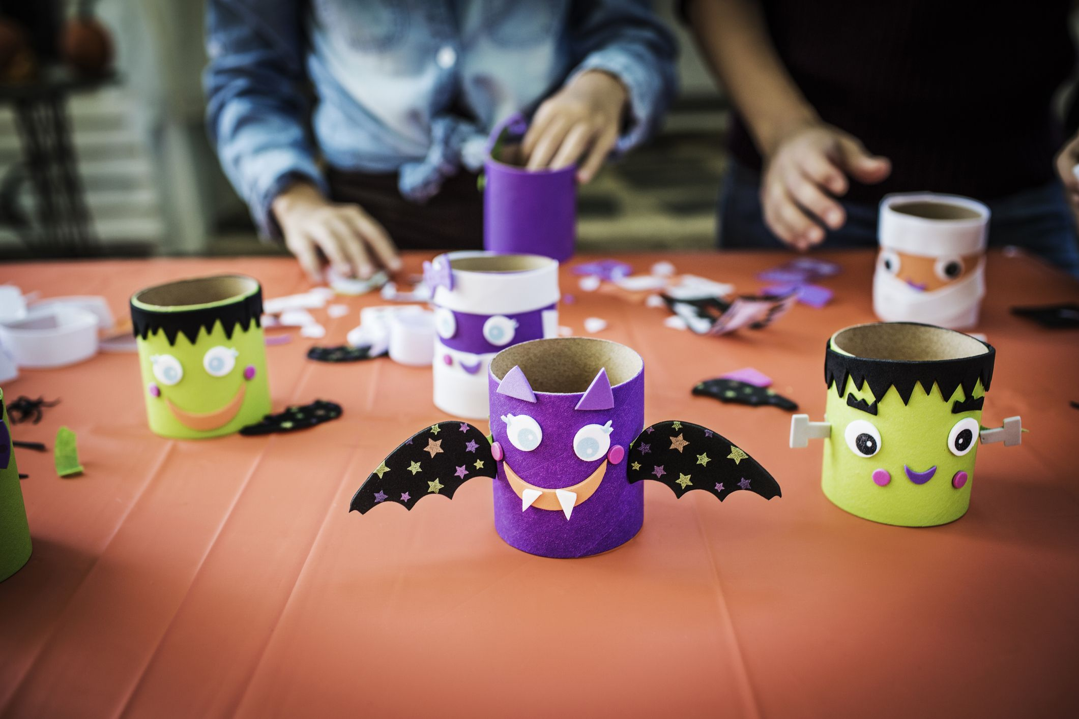 b7a959fb7f5 23 Easy Halloween Crafts for Toddlers - Quick Preschooler Halloween ...