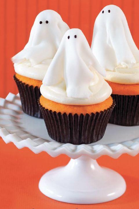 halloween-cupcake-ghosts