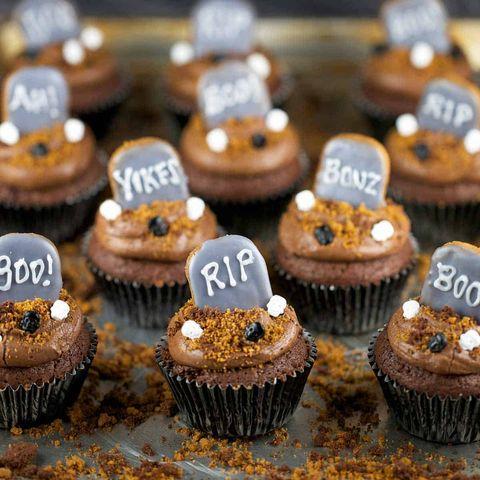 graveyard brownie cupcakes with rip tombstone