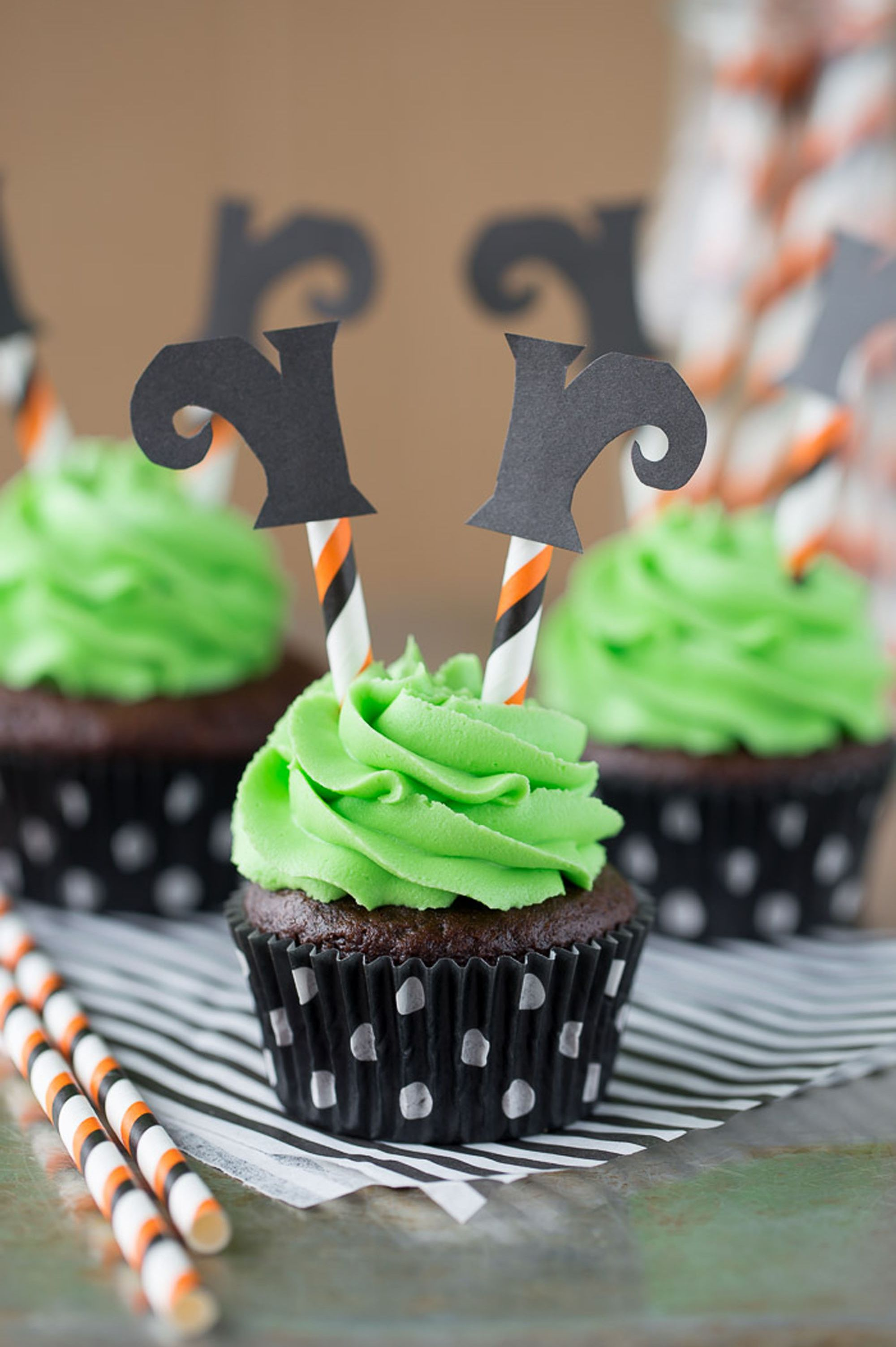 halloween cupcakes witch