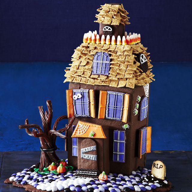 halloween haunted cookie house