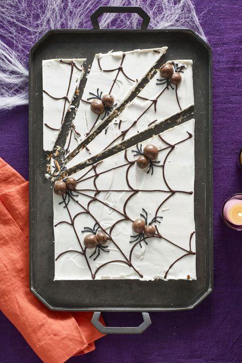 halloween desserts - Candy Cobwebs