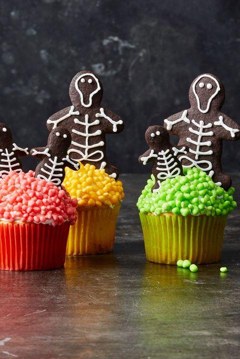 halloween desserts - skeleton cupcakes