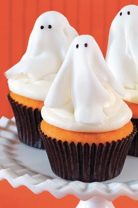 halloween desserts - ghost cupcakes