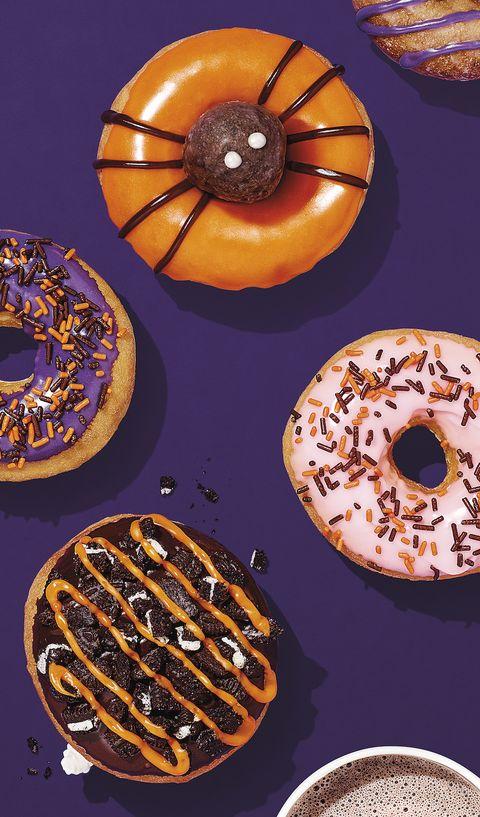 Doughnut, Ciambella, Food, Pastry, Baked goods, Cuisine, Dish, Dessert, Bagel, Glaze,