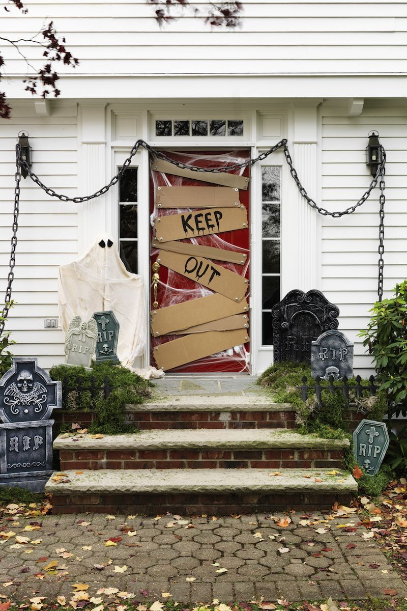 25 Best Halloween Door Decorations DIY Halloween Door Decor