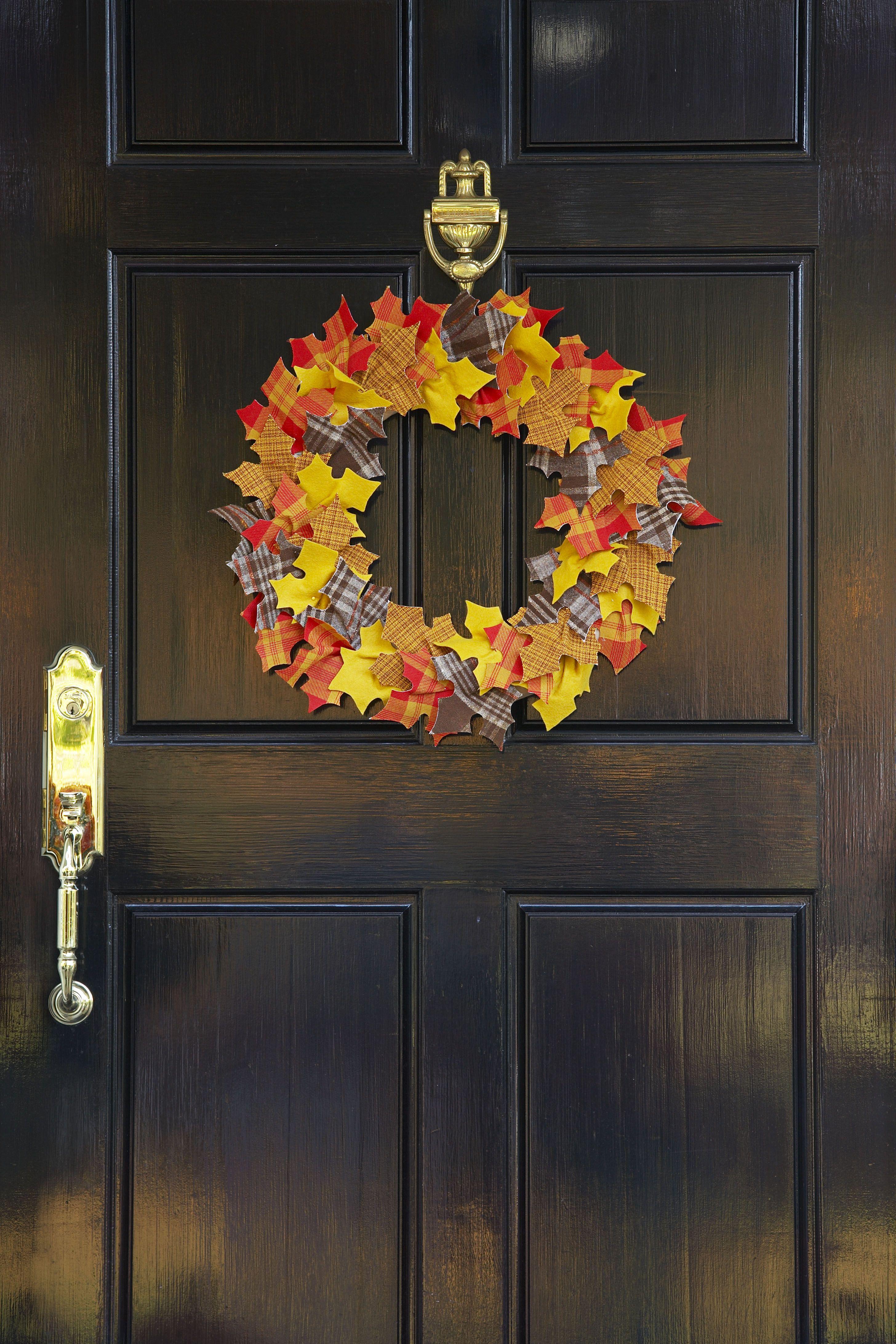 26 Best Halloween Door Decorations Diy Halloween Door Decor
