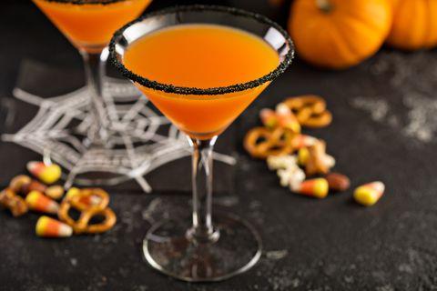 halloween drinking games cocktails