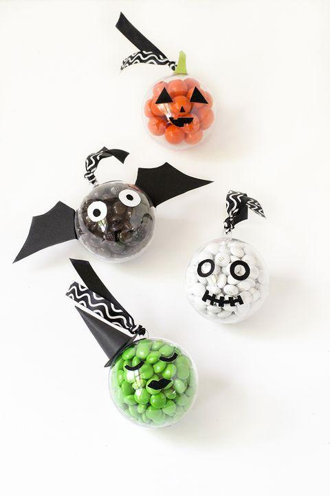 halloween games baubles