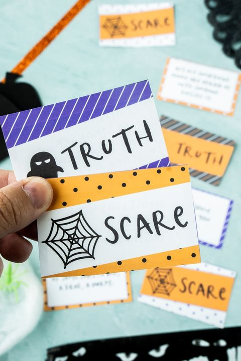 truth or scare halloween game