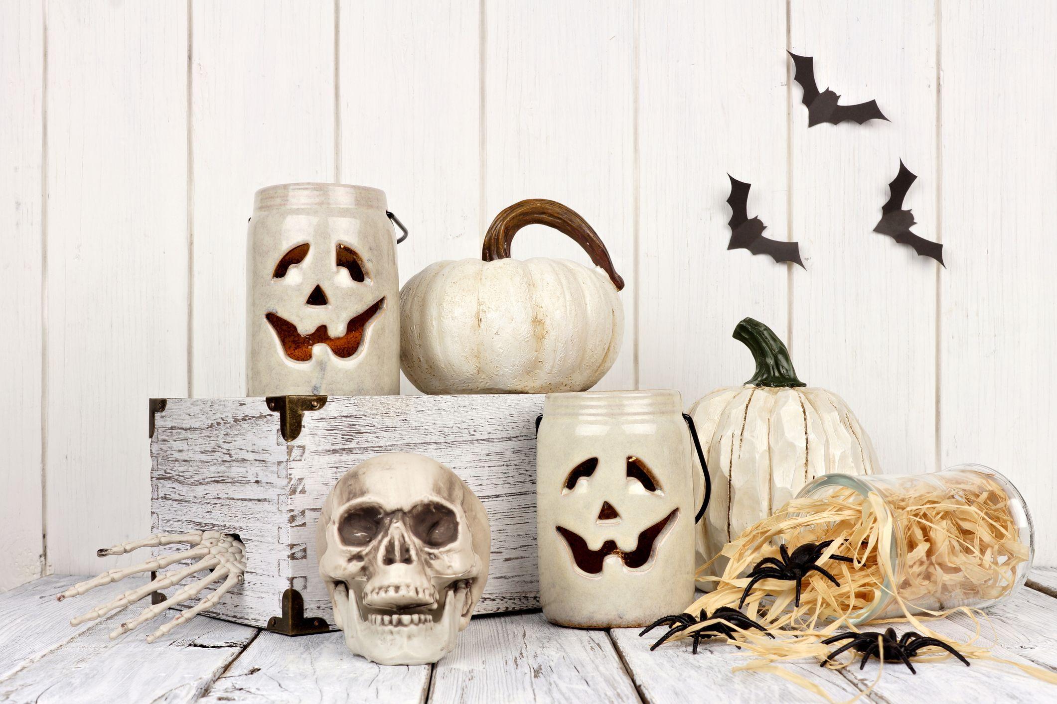 Skulls Mummy Ghosts Craft kits to make Earrings  Halloween designs   Bats