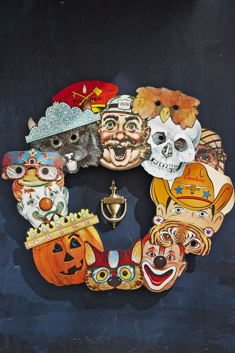 halloween party ideas mask wreath