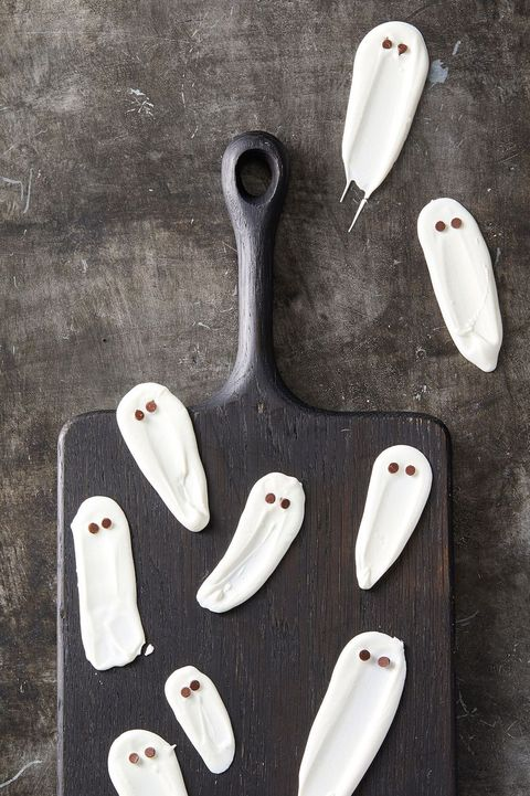 halloween party snacks - white chocolate ghosts