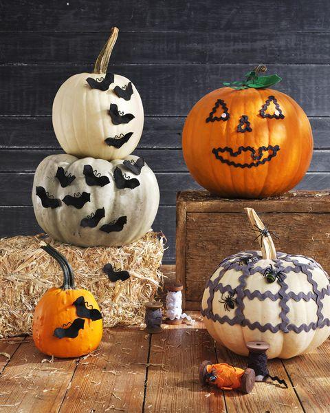 diy rickrack halloween pumpkins rickrack bats, rack o lantern, rickrack spiderweb