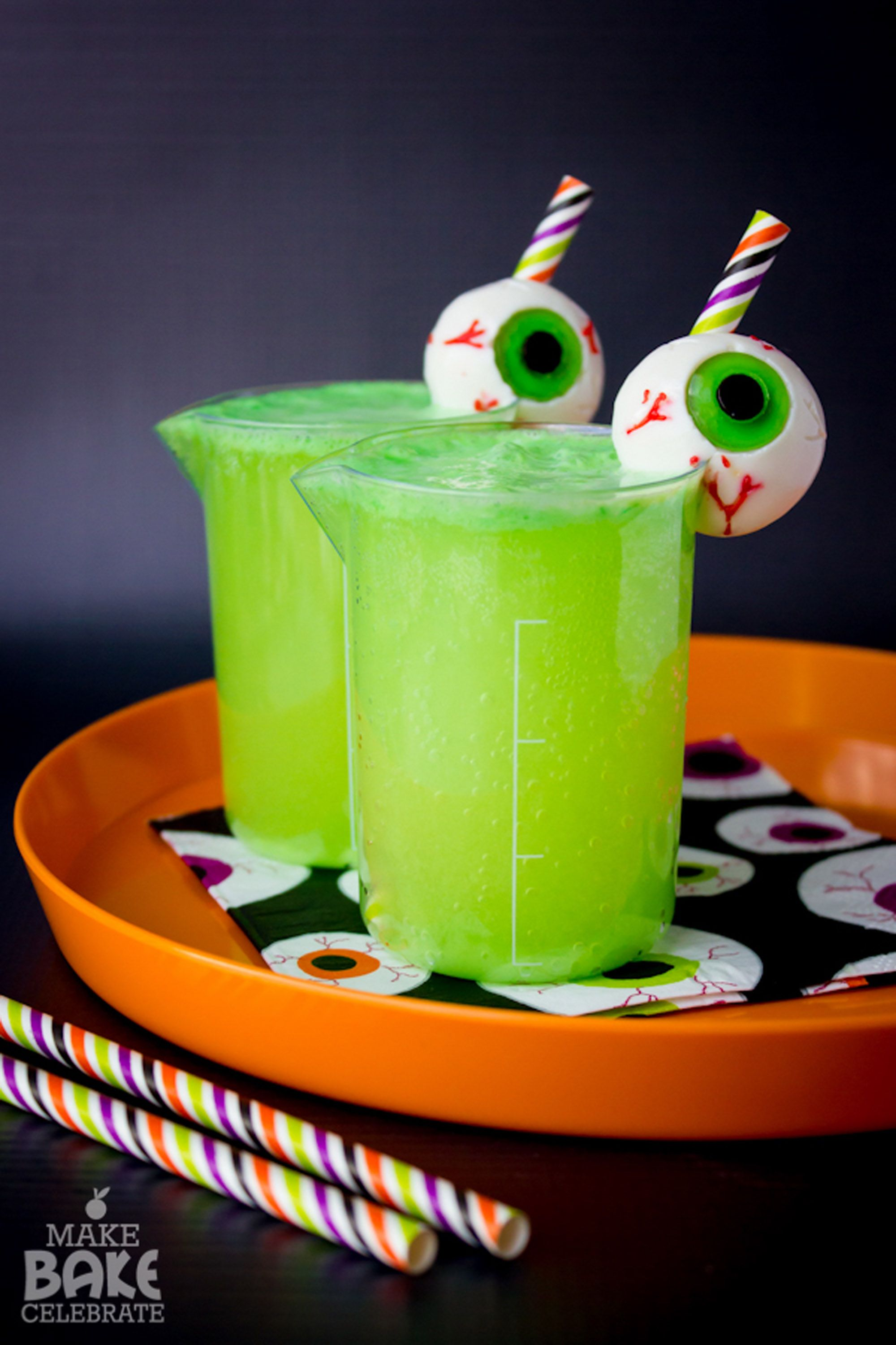28 easy halloween punch recipes alcoholic punch ideas for halloween