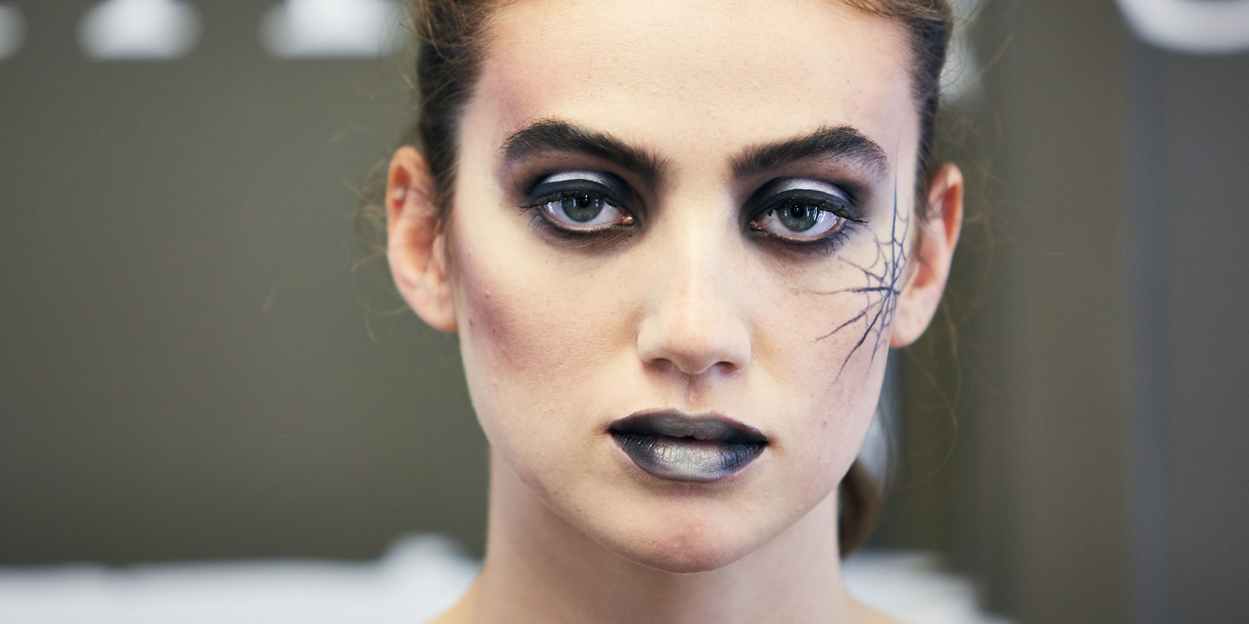 step-by-step Halloween make-up tutorial Illamasqua