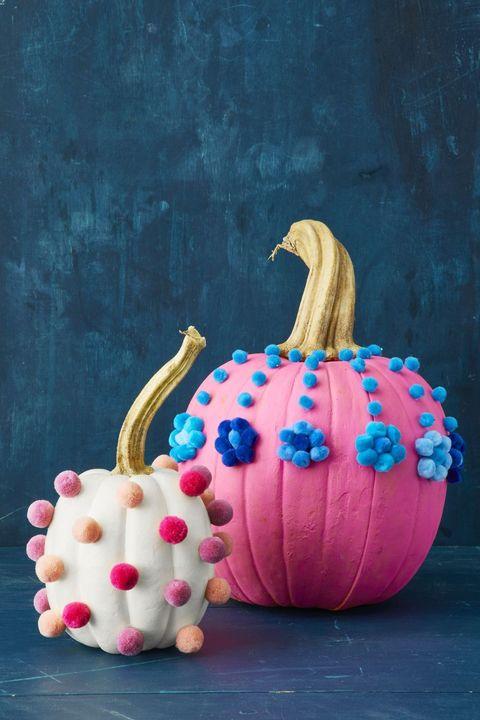 halloween table decorations centerpieces pom pom pumpkins