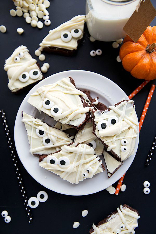 halloween treats bark