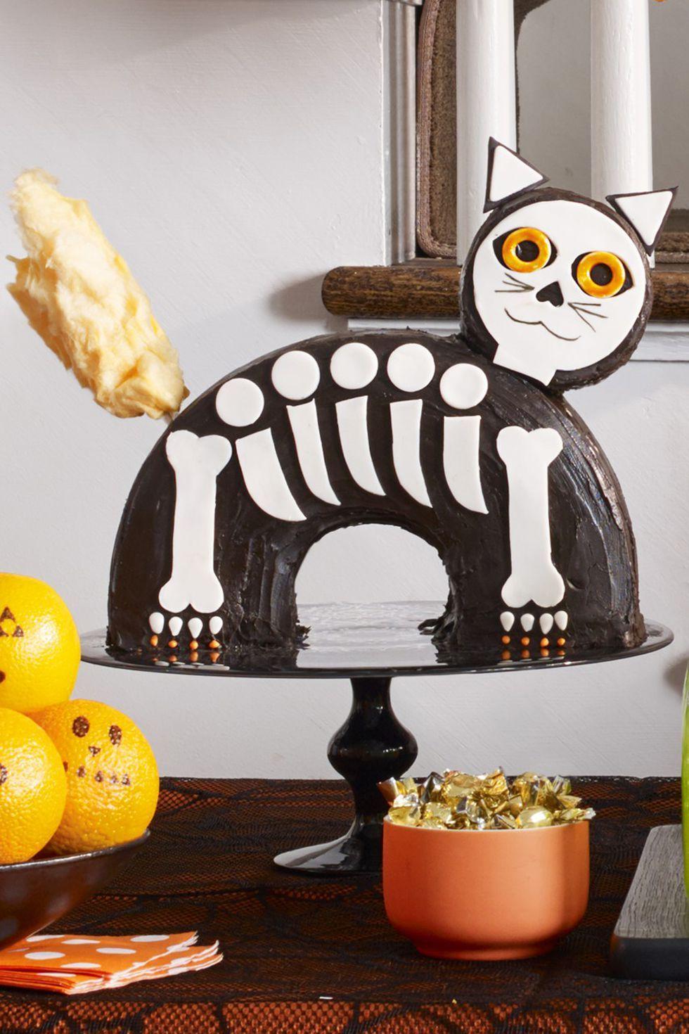 halloween treatsHalloween Cat Cake