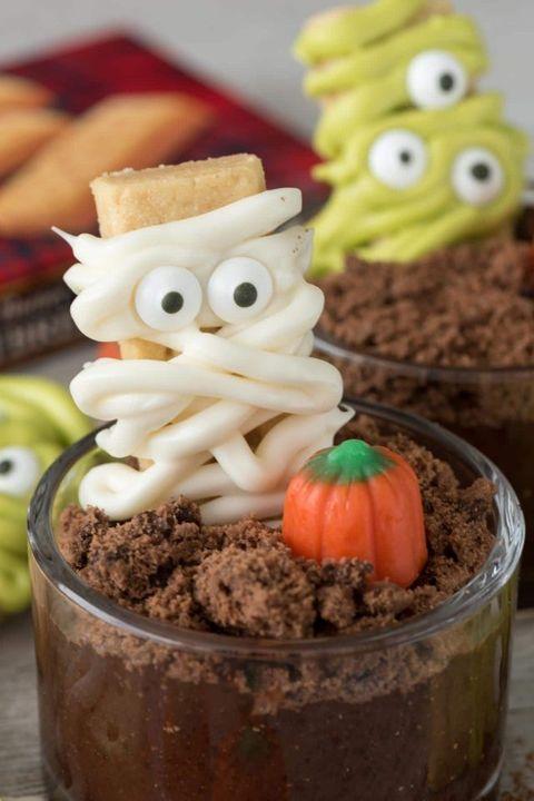 halloween treats dirt cups