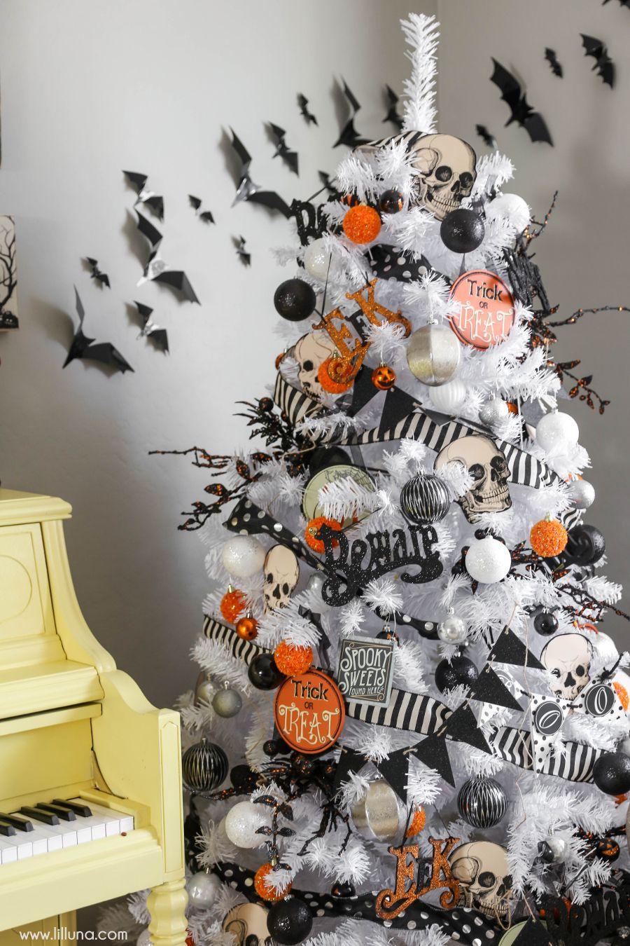 60+ Easy DIY Halloween Decorations and Decorating Ideas