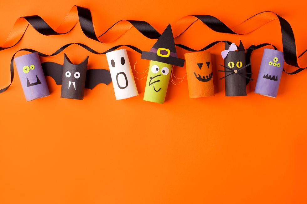 35 Best Halloween Wishes and Sayings for Spookiest Holiday of the Year