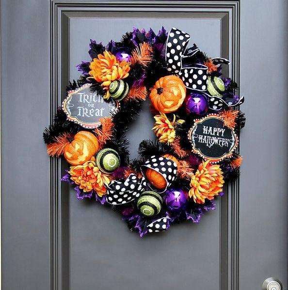21 Best Halloween Wreaths - DIY Halloween Wreath Ideas