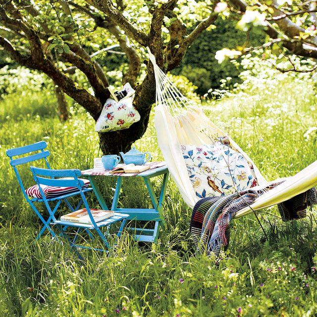 hamaca en el jardín