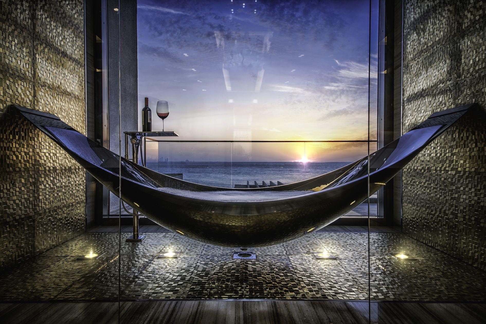 The Splinter Works Hammock Bathtub Is The Coolest Tub You\'ll Ever See