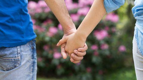 超準心理測驗,你最愛哪種牽手方式?5種姿勢看出隱藏性格、愛情相處模式