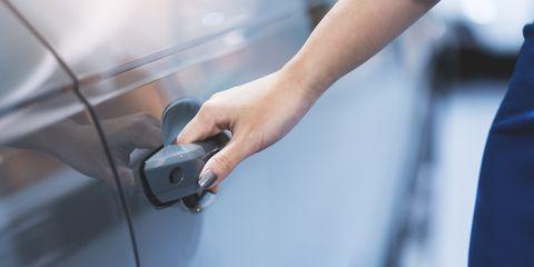 Hand open car