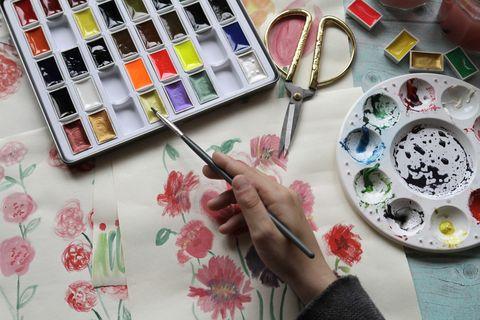 hand painting aquarelle on desk