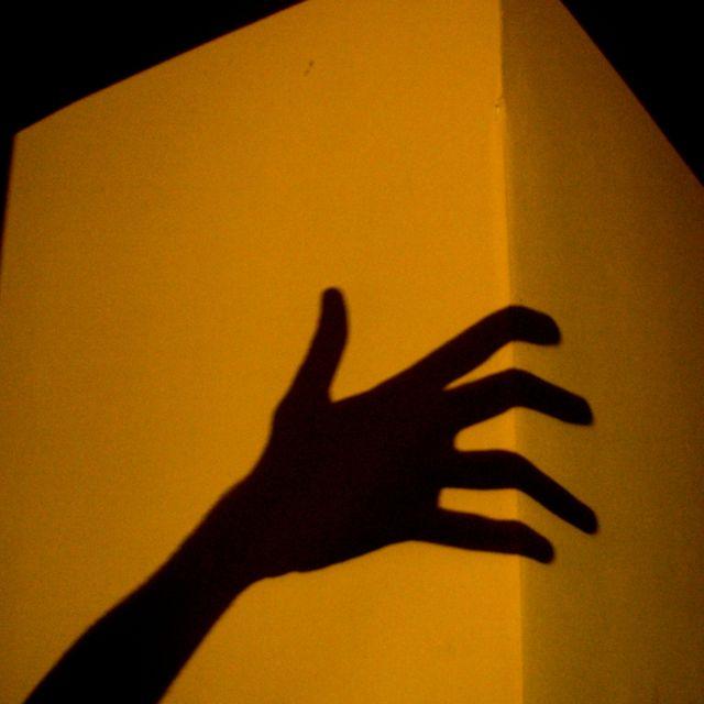 hand shadow on cube