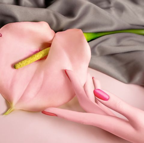 hand with calla lily