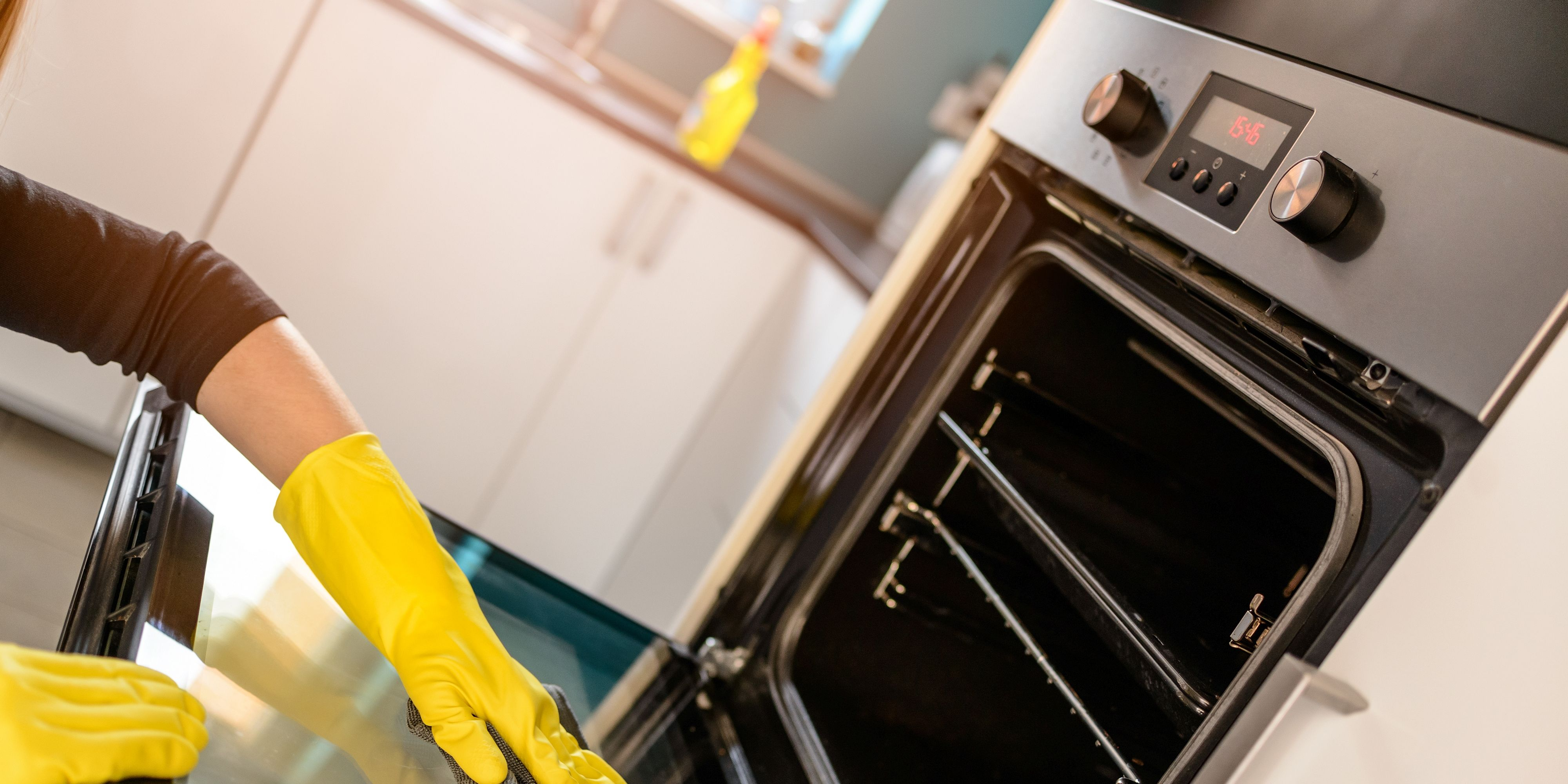 Easiest to clean an oven quickly